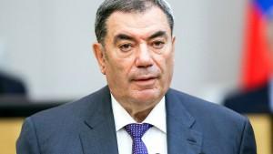 Первый заместитель председателя комитета Госдумы РФ по бюджету и налогам Леонид Симановский поделился ожиданиями от предстоящего Послания губернатора.