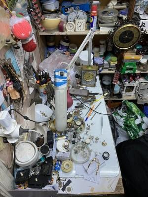 В Тольятти из мастерской украли часы стоимостью 100 тысяч рублей