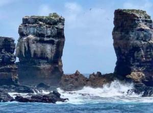 На Галапагосских островах обрушилась знаменитая Арка Дарвина