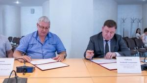 Обсудили совместную текущую деятельность и подписали дорожную карту по взаимодействию вуза и двигателестроительного предприятия.