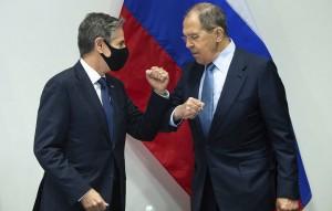 По итогам переговоров будут готовиться предложения для президентов России и США по вопросам стратегической стабильности, отметил министр.