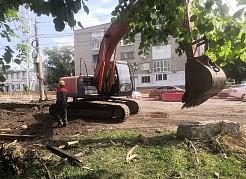 Владимир Василенко еще раз подчеркнул важность обеспечения домов, находящихся в зонах перекладок, горячей водой.