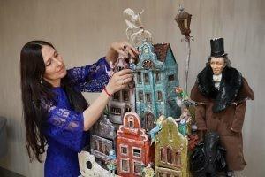 Художники-бутафоры театра «СамАрт» представят авторские куклы и маски.