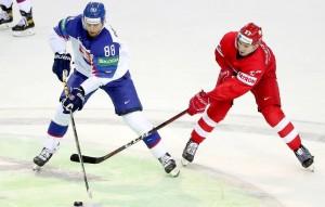 Сборная России потерпела первое поражение на чемпионате.