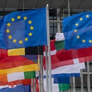 Европа вводит первые санкции против Минска.