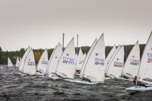 180 яхтсменов проведут гонки в олимпийских классах яхт.