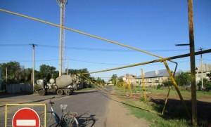 КАМАЗ в Рождествено деформировал участки надземных газопроводов