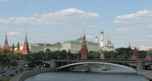 """""""Русские — очень душевные люди, которые любят часами сидеть за столом""""."""