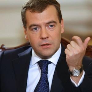 Медведев: Россия устала от конфронтации с Западом