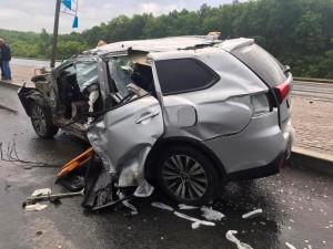 На Московском шоссе в Самаре молодой водитель врезался в столб
