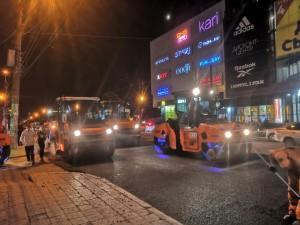 Продолжается укладка асфальтобетонного покрытия  автодороги по улице Аэродромной в Самаре