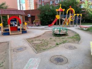 В Самаре на сегодняшний день более 60 детских игровых площадок расположены в опасной зоне