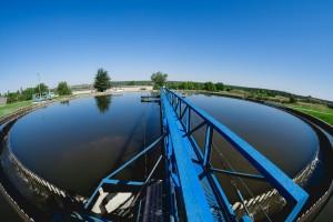 По данным экологов, модернизация очистных сооружений на промышленных производствах позволяет значительно снизить негативное воздействие на окружающую среду, в том числе водные объекты.