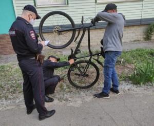 Монтажник из Тольятти украл велосипед