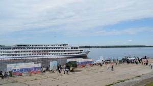 Двенадцать тысяч самарцев посетили плавучий музей инженерных войск
