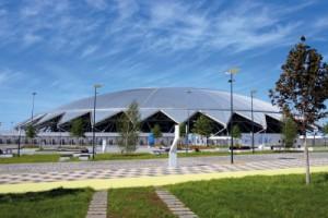Оборудованаплощадкас большим экраном для публичного показа футбольных матчей.Вход на фан-фестиваль свободный.