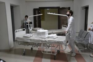 Дмитрий Азаров поручил провести ревизию медучреждений, оборудования и запасов лекарств в Самарской области