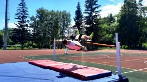 Более 300 ребят принимали участие в первенстве Самарской области среди юношей и девушек до 16 лет по легкой атлетике.