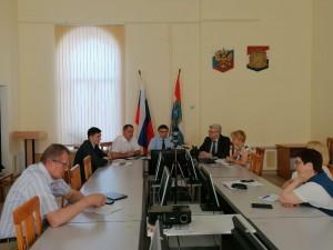 Об этом шла речь на оперативном совещании с городскими департаментами и территориальными управлениями минобрнауки губернии.