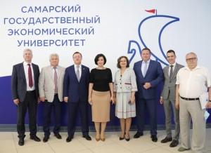 Взаседании наблюдательного совета Самарского государственного экономического университета принял участие Дмитрий Азаров.