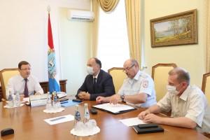 «Есть вопросы, которые требуют нашего дополнительного внимания и проработки»,– обозначил предмет встречи Дмитрий Азаров.