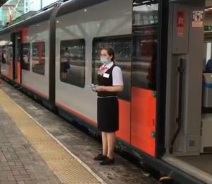 10-тысячным пассажиром стала Татьяна Чернышева, юрист из Жигулевска, для решения профессиональных вопросов ей часто приходится приезжать в Самару.