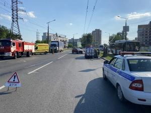 После чего иномарка выехала на полосу встречного движения и столкнулсяс грузовиком.