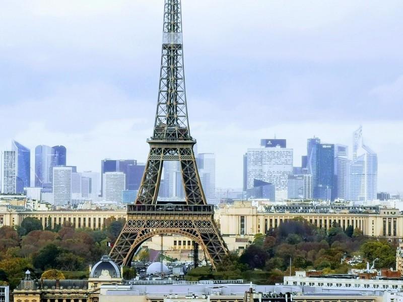 Россия сегодня возобновляет авиасообщение с Чехией и Францией