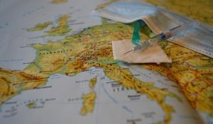 ВОЗ выступила против требования сертификата вакцинации при путешествиях.