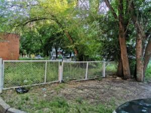 Грабитель сорвал с женщины цепочку с кулоном в Тольятти