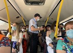 Во время рейдов идет разъяснительная работа, в том числе среди тех пассажиров, которые пользуются масками неправильно.