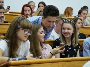 Уже в сентябре поступившие в вузы региона выпускники школ Самарской области получат денежные выплаты по инициативе «Единой России».
