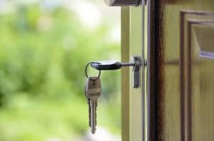 Темпы расселения гражданиз аварийного жилья вырастут вдвое.
