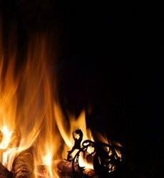 В Центре Самары горел частный расселенный дом