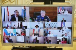Дмитрий Азаров призвал правоохранительные органы и жителей региона объединить усилия в поиске преступников, которые совершили поджог леса.