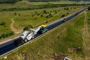 В отдаленных районах Самарской области на дорожных объектах ремонта применяют новую спецтехнику.