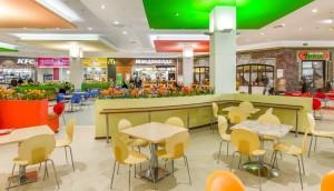 Закрываются зоны фуд-кортов в торговых центрах. Работа возможна только по заказу еды на вынос.