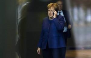 """Меркель обсудила по телефону с Путиным """"Северный поток - 2"""" и транзит газа через Украину."""