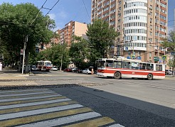 Предстоит переход через перекрестки улиц, являющихся одними из важных транспортных артерий города.