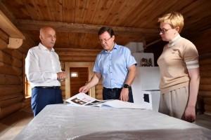 Осмотрев территорию парка и национальные дома, губернатор поручил тщательнее продумать концепцию отдыха в этнокультурном комплексе.