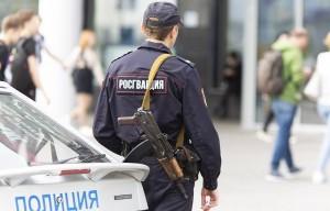 23 июля возле одного из многоэтажных домов Ставрополя неизвестные напали на сотрудника полиции, один из них начал стрелять.