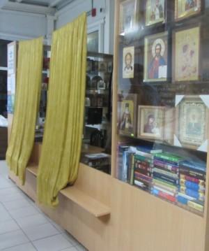 В Тольятти украли серебряные цепочки из церковной лавки