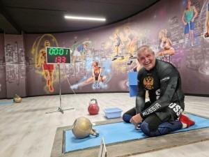 Традиционный открытый городской турнир по кистевой тяге гири прошёл на минувшей неделе в Тольятти