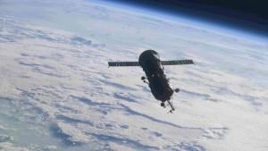 """Днем в понедельник модуль отсоединили от МКС, чтобы освободить стыковочный узел станции для многофункционального лабораторного модуля """"Наука""""."""