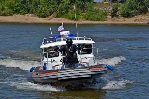 В Самаре сотрудники ОМОН провели совместную тренировку по обеспечению безопасности судоходства