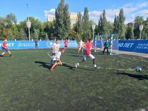 Команды, ставшие триумфаторами в каждой возрастной категории, примут участие в областных соревнованиях по футболу среди дворовых команд «Лето с футбольным мячом».