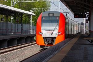 «Юбиляра» поздравили представители Куйбышевской железной дороги, АО «Самарская ППК» и вручили ему памятный подарок.