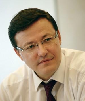 Дмитрий Азаров проинспектировал дорожный ремонт на участке автодороги Самара-Бугуруслан