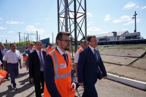 На станции Кинель прошла рабочая встреча начальника КбшЖД Вячеслава Дмитриева с губернатором Самарской области Дмитрием Азаровым.