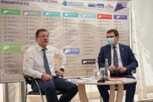 Дмитрий Азаров обсудил с жителями вопросы развития здравоохранения.
